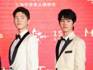 劉昊然現身上海出席揭幕活動 精美蠟像比本尊還高