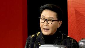 吴彦姝送吴刚保温饭盒 嘱咐他在外演出时也要保重身体