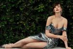 38歲的安妮·海瑟薇美翻了!穿抹胸長裙秀迷人曲線