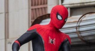 小蜘蛛回归!荷兰弟身披战袍亮相《蜘蛛侠3》片场