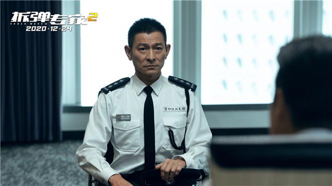 """""""小红花""""11亿成韩延作品票冠《拆弹2》破10亿"""