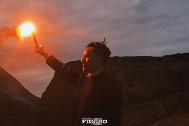 """《【杏鑫娱乐佣金】张震解锁全新海边大片 尽显""""震""""撼人心的魅力》"""