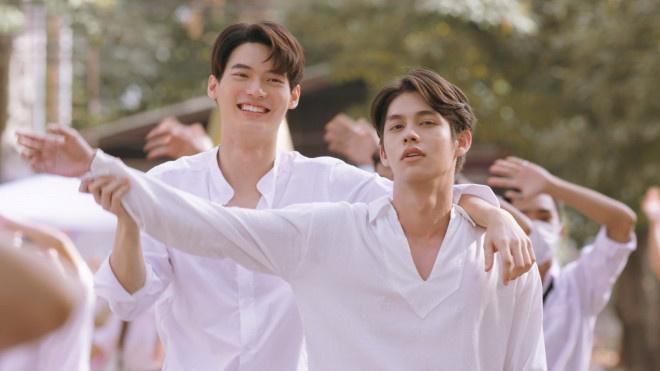 无预警售后!《假偶天成》拍大电影 4.22泰国上映