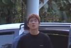 4月6日,网上曝光了一则刘昊然拍摄新片的路透画面。视频中解锁了刘昊然的新造型,罕见染了棕色头发,整体肤色也黑了好几个色号,体格也较之前壮硕不少;刘昊然还在片中尝试骑摩托车。视频中还出现了导演韩寒的身影,All Black打扮的他不时与工作人员聊天。