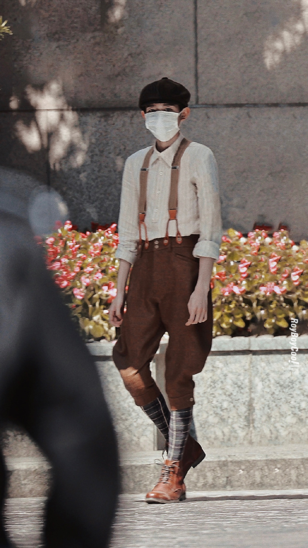 王源《1921》报童造型展纸片人身材 角色引猜测[图]
