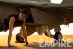 《壮志凌云2》释新剧照 迈尔斯·特勒墨镜造型曝光