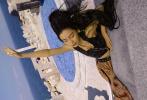 4月16日,Angelababy合作《T Magazine China》拍摄的四月刊封面大片释出,整套大片以哥特风为创作灵感,黑童话魔女造型风格高级充满艺术感,令人感叹baby时尚表现力愈发成熟精湛。