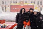"""摄影师曹郁、演员姚晨联手担任监制,青年导演乔思雪编剧并执导的少数民族题材电影《脐带》(又名《漫游在蓝色草原》)近日在内蒙古呼伦贝尔正式开机。该片曾获多个国际电影节创投大奖,讲述了游牧电子音乐人""""阿鲁斯""""放弃城市工作,陪伴患阿尔茨海默症的母亲重回草原生活的故事。"""