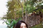 赵丽颖离婚后首曝写真 手捧西瓜对镜甜笑状态佳