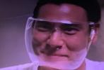 6月6日晚,电影《热带往事》于北京举办首映礼,监制宁浩、导演温仕培携张艾嘉、姜珮瑶等主创出席映后见面会,正在隔离中的另一位主演彭于晏则通过大银幕连线的方式亮相活动。