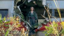 《寂静之地2》怪物突临掀警车片段