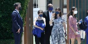 """陷入""""詹妮弗""""!大本和前妻合体出席女儿毕业典礼"""