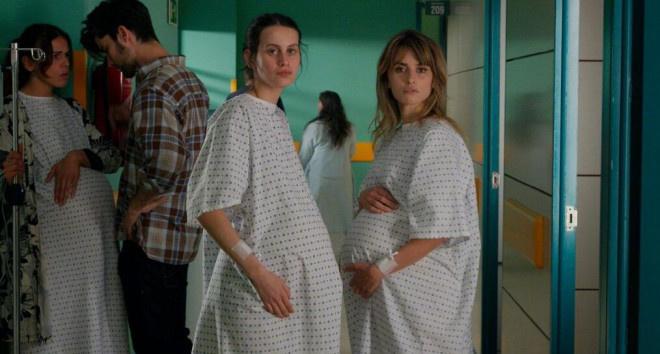阿莫多瓦《平行母親》新照!佩內洛普·克魯茲懷孕