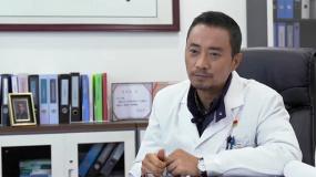 《中国医生》发布硬汉特辑 周黎明解读《悬崖之上》中的麦格芬