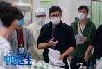 电影《中国医生》正在全国献映中,目前票房已近9亿,上座率、口碑均领跑整个暑期档。片方日前发布导演特辑,展现了监制及导演刘伟强在幕后严格把控每个细节的专业态度。