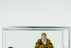 7月26日,邱天登封《Vogue Me》八月刊封面大片释出。邱天身穿蓝白色清新羽绒外套搭配毛毛长裤,造型天真可爱,眼神无辜仿似小鹿。大片中邱天造型各异,时而与金鱼徜徉梦境,时而如骑士般身披铠甲,仿佛在天马行空的魔法世界中自在穿梭的精灵。  
