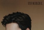 7月30日,杨洋成为《时装男士》8月刊封面人物,拍摄的国风封面大片发布。梅雨江南,静谧庭院,整组大片呈现出写意的东方韵调,印花衬衫、皮革外套、正统西装,翩翩少年蜕变成儒雅绅士,尽显成熟文艺魅力。  