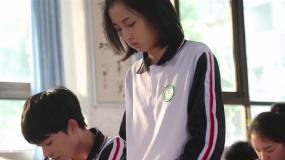 独家探秘《再见,少年》片场 张子枫 张宥浩戏里戏外演绎反差萌