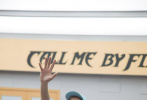 """8月31日,《披荆斩棘的哥哥》曝光第二次公演前练习室剧照,黄贯中、林志炫认真备战二公舞台,""""大湾区哥哥""""练习室欢笑不断,赵文卓手拿雨伞挑战舞蹈,陈辉、张晋、欧阳靖三位""""一公""""队长携哥哥们认真训练,言承旭与队友开心互动""""酒窝杀"""",黄征胡海泉飙乐器尽显""""乐队范儿""""。 """