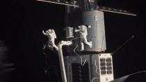 科幻灾难片《月球陨落》发布预告