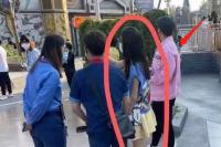 佟丽娅陈思诚带儿子逛环球影城 二人离婚后首合体