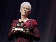 荣耀!杰米·李·柯蒂斯获颁威尼斯终身成就金狮奖