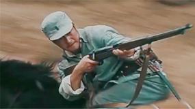 《我和我的父辈》之《乘风》首曝预告 吴京 吴磊携手上阵杀敌