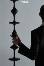 陈飞宇时尚大片曝光 黑色西装气质复古氛围感拉满