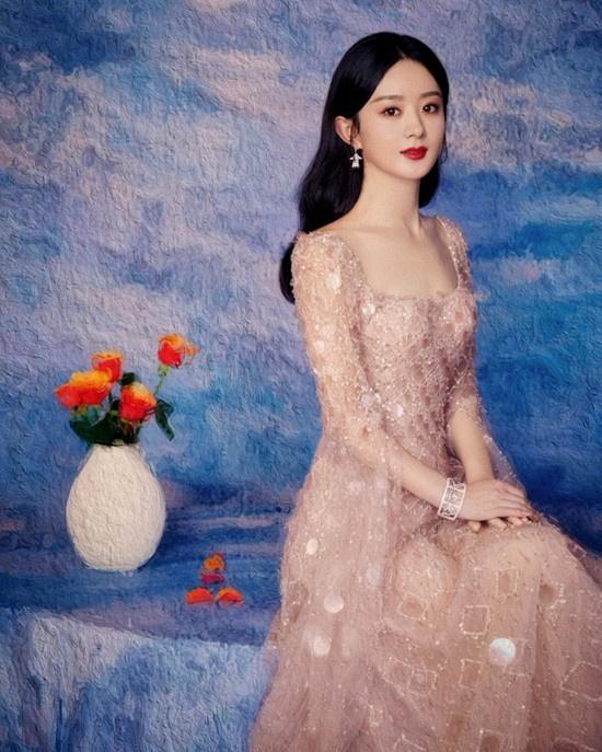 高德平台招商35497赵丽颖油画风写真端庄优雅 裸粉色长裙仙气十足