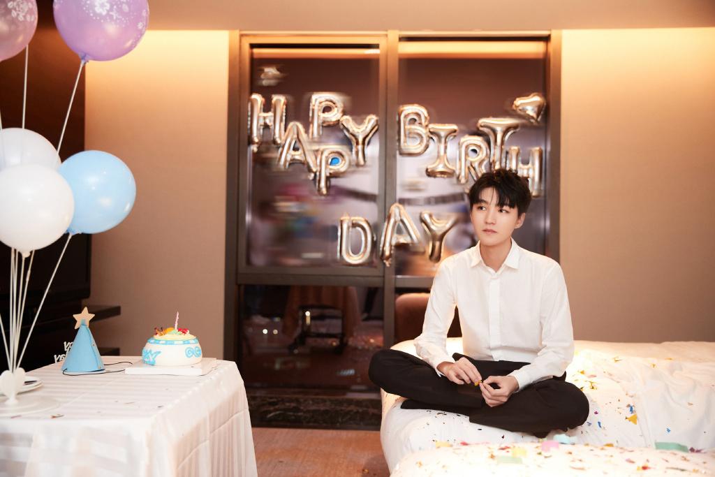 《【杏鑫平台代理】王俊凯22岁第一个计划:将自己装行李箱整蛊幻灭》