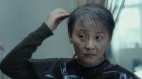 《关于我妈的一切》徐帆剃发催泪片段