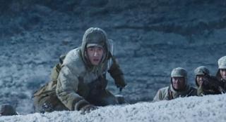 """《长津湖》展现志愿军战士钢铁般的意志 是在给年轻人补""""钙"""""""