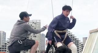 训练强度真的高 导演宋灏霖初期跟练后来掉队