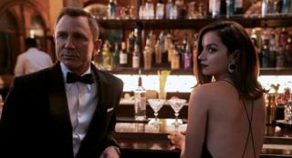 《007:无暇赴死》曝幽灵再现片段 邦女郎慌乱失措